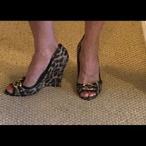 Guess Leopard Print Wedge Shoes Size 9